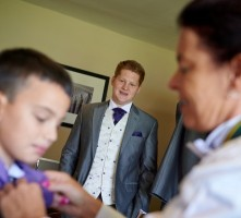 Kent_based_yourtoastmasters_lady_toastmaster_at_leeds_castle_with_pageboy